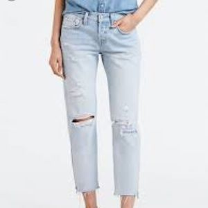 LEVIS 501 DISTRESSED CROPPED JEANS